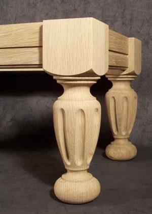 Tischbeine Holz gedrechselt, gefraest, 048