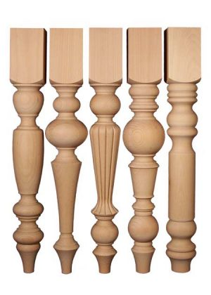 Wunderschoene Tischbeine aus Holz von gleicher Hoehe, aus gedaempfter Buche