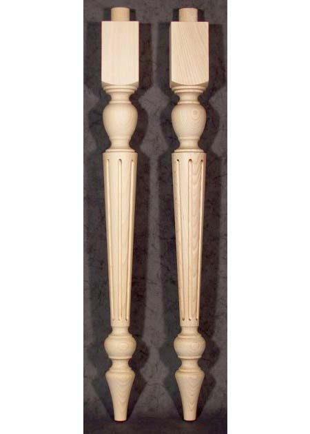 Tischbeine Holz, charackteristisch, mit dichtgefraesten Motiven, TL64
