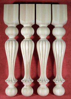 Tischbeine Holz mit speziellem Dekorfraesen, TL33