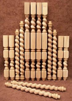 Tischbeine Holz mit spiralgefraesten Teilen, TL10