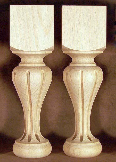 Tischbeine Holz, zierliche Form mit Dekorfraesen, TL35